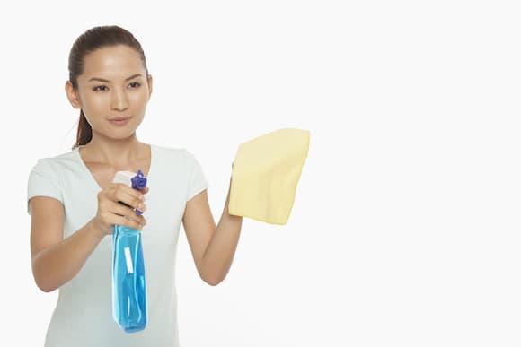 A limpeza com microfibra é realmente melhor do que com um pano comum?