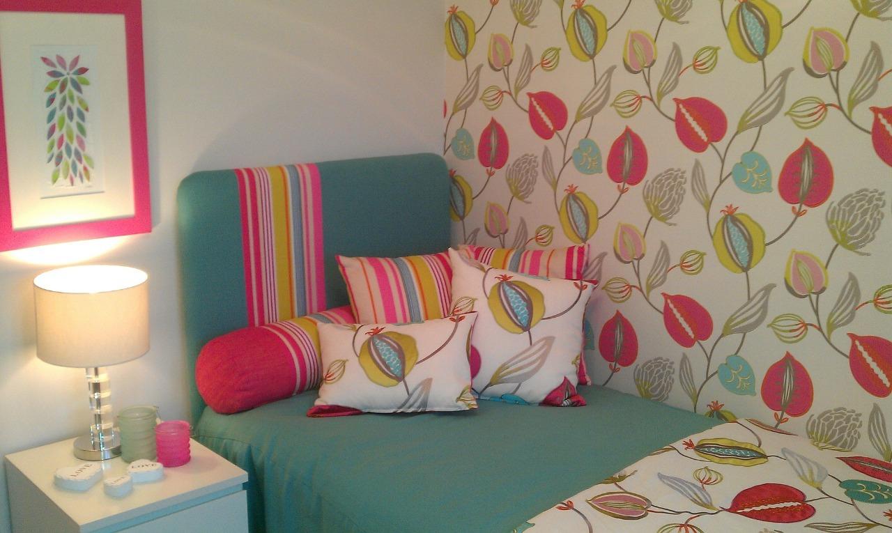 Como decorar com o papel de parede adesivo para quarto?