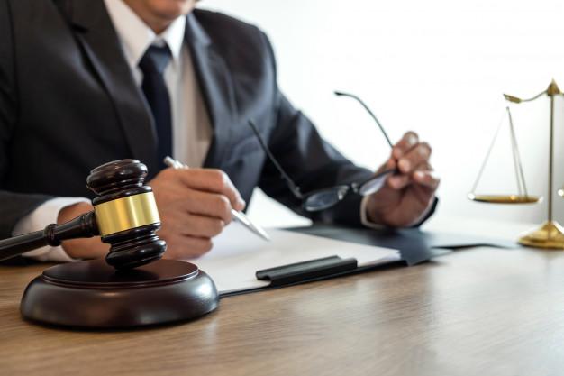 O papel dos advogados de defesa criminal